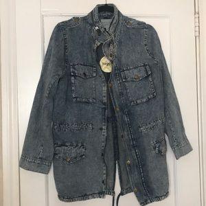 Lightweight jean jacket